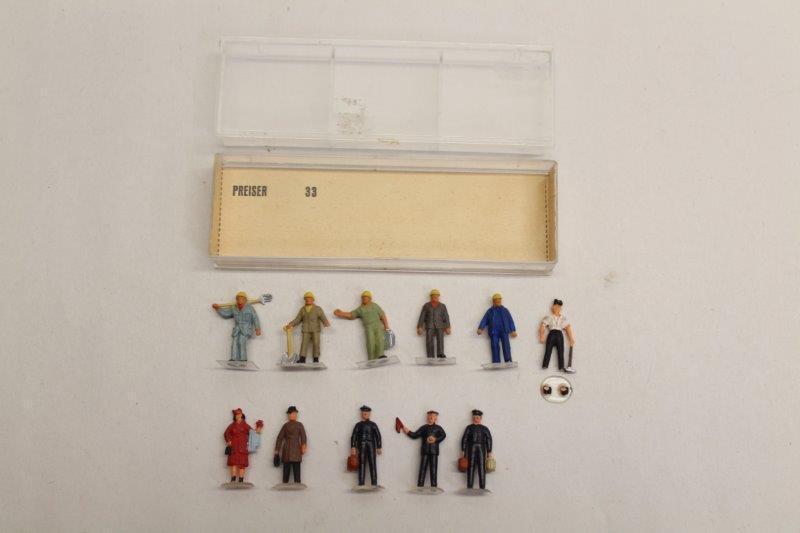 Preiser Selection of 11 Railway Personel Workmen People HO Gauge 1 90 P22