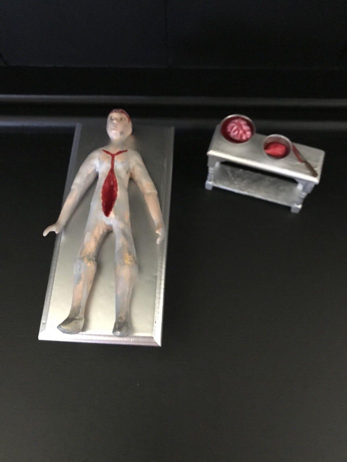 1 12 Minituer Cadaver On A Slab Doll For Dolls House Halloween Haunted House