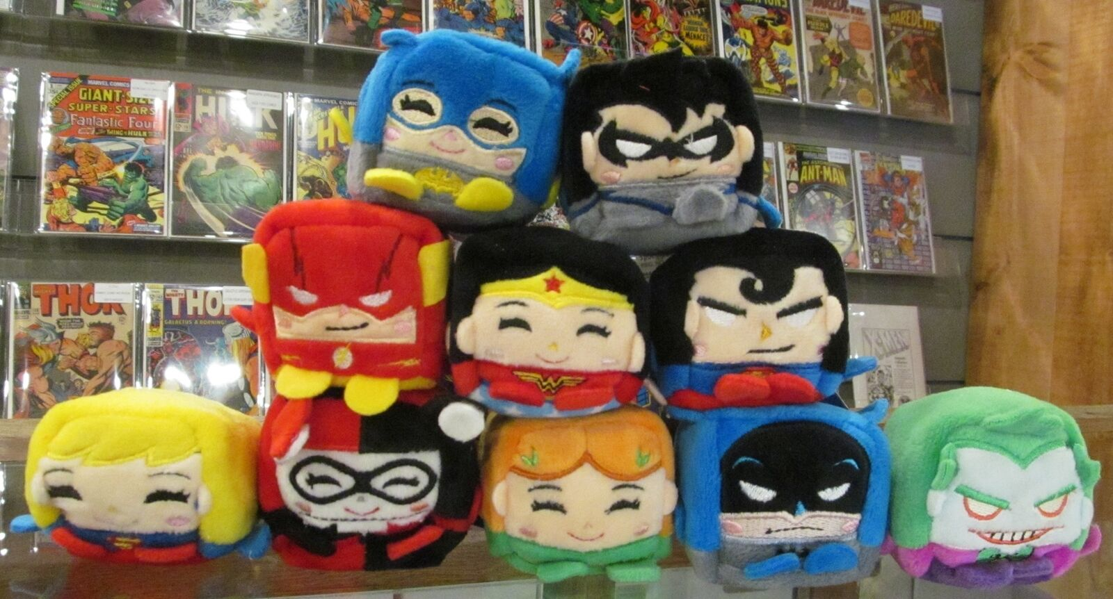 KAWALL PLUSH CUBES DC SERIES Ett set av tio BATTMAN, SUPERMAN, JOKER, HARLEY, FLASH NWT