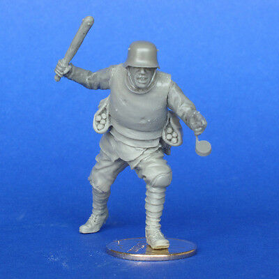 MasterClub 1/35 German Army Soldier in WWI Resin Figure (35178)