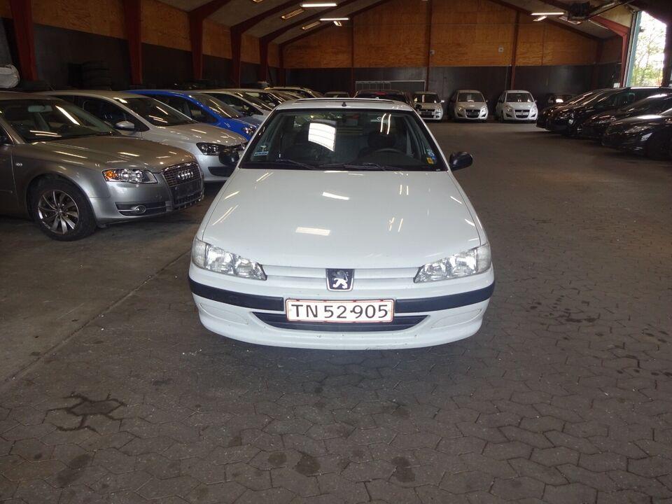 Peugeot 406 1,8 SL Benzin modelår 1996 km 149000 Hvid træk