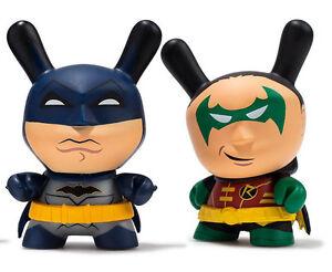 DARK KNIGHT DC DUNNY SERIES MINI VINYL TOY FIGURE KIDROBOT X BATMAN
