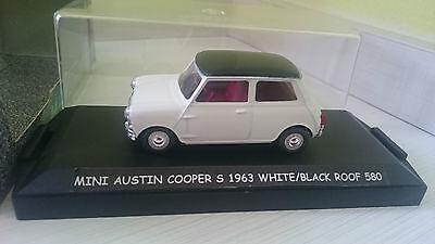 MINI AUSTIN COOPER WHITE/BLACK INTERIOR RED VITESSE 580 1:43