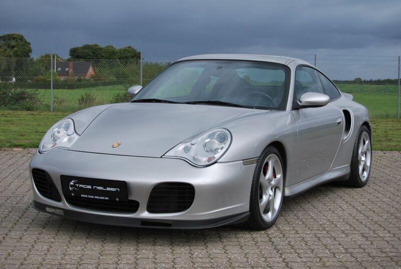 Porsche 911 Turbo Coupé - 1
