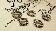 VAMPIRE FANG Charm 10 STILE VINTAGE ARGENTO Jewellery Supplies C17