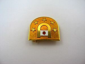 Vintage-Collectible-Pin-Gold-Tone-Stars-Japan-Flag-Great-Design