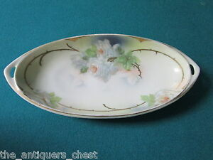 Royal-Rudosltadt-oval-vanity-tray-with-white-roses-SIGNED-rs4