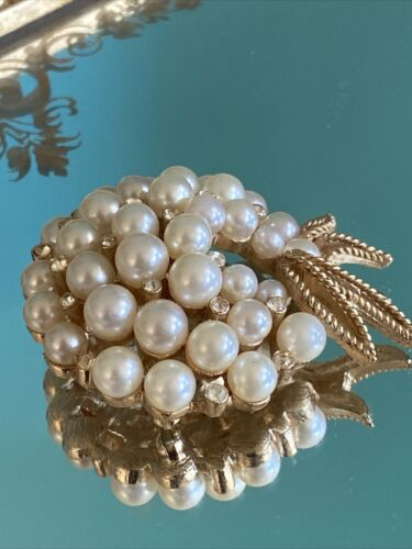 Vintage Crown Trifari Faux Pearl & Rhinestone Broo
