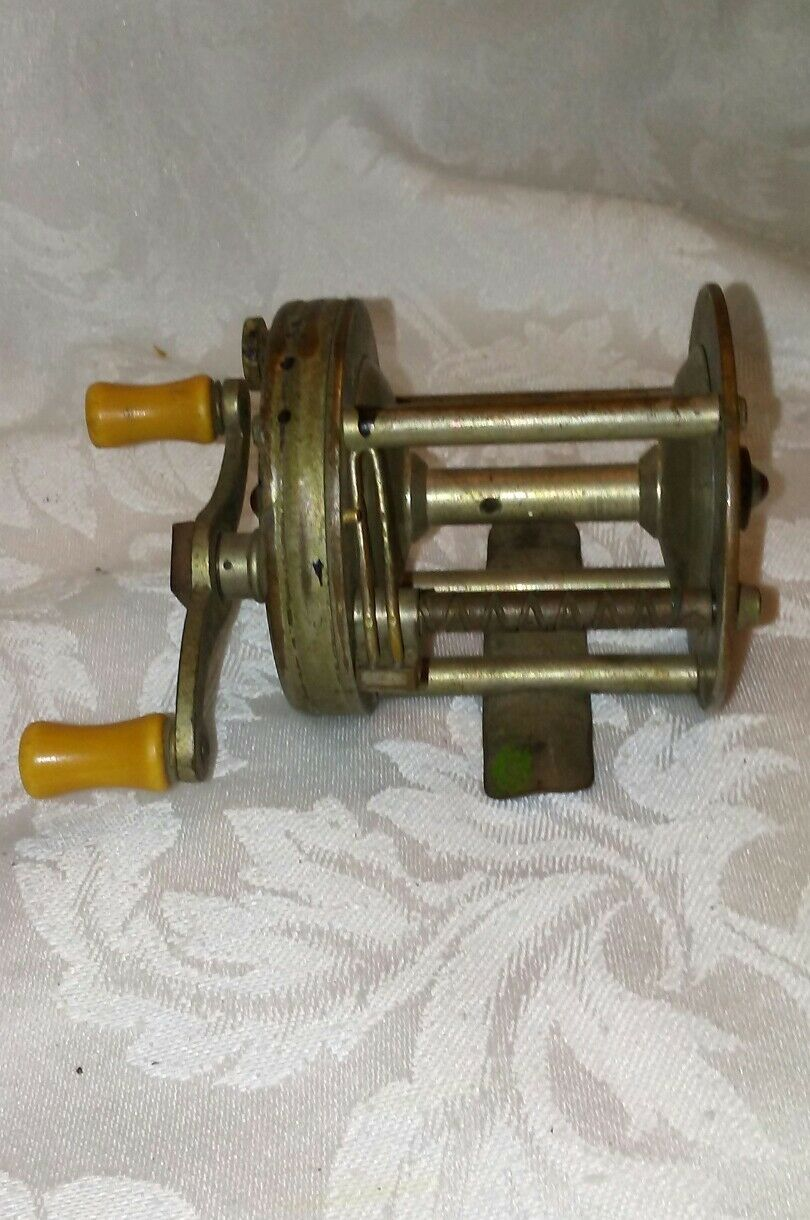 VINTAGE SOUTH BEND ORENO LEVELWINDING CASTING REEL