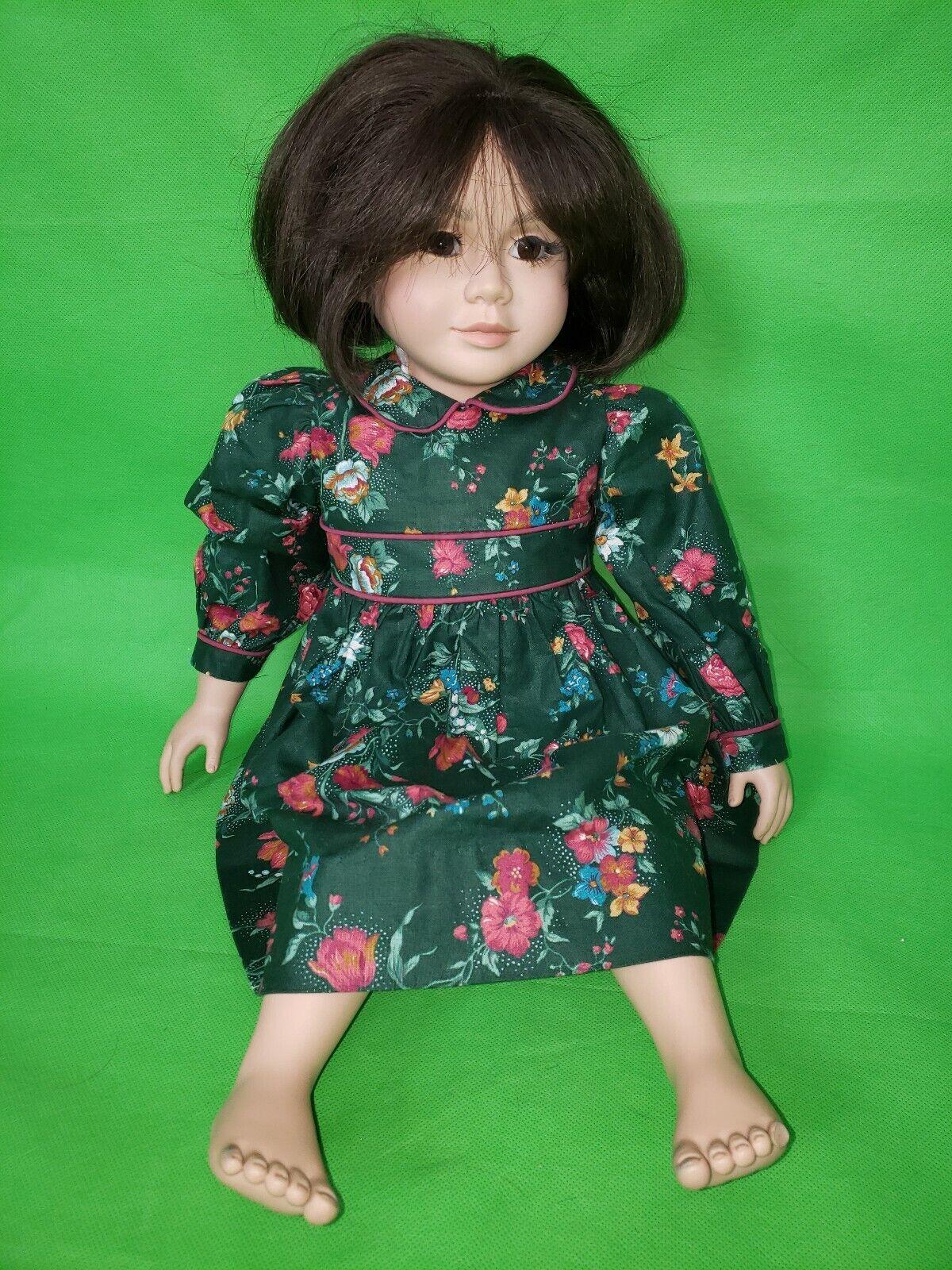 My Twinn Doll 22  Asia Girl braun Eyes braun Hair in Grün Flower Dress