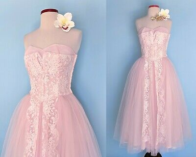 Vintage 1950s Pink Lace and Tulle