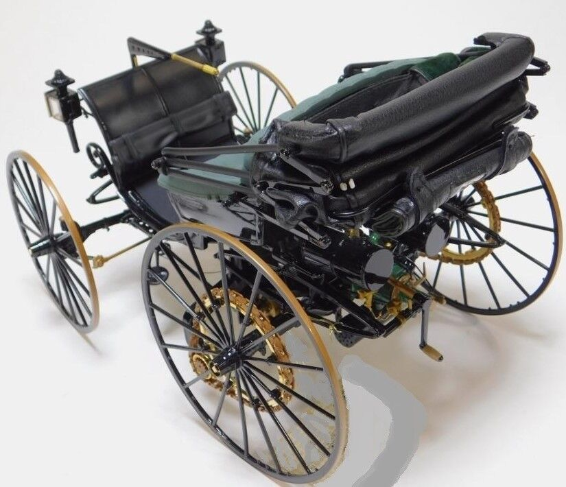 Auto concepto antiguo antes de Ford Modelo T original construido un Vintage Clásico De Metal