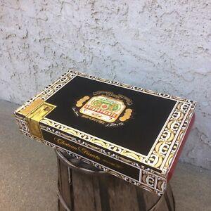Arturo-Fuente-Chateau-King-vuoto-in-legno-Cigar-Box-13x8x2-5
