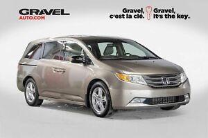 2011 Honda Odyssey Touring + Cuir + Caméra de recul + Toit Ouvrant