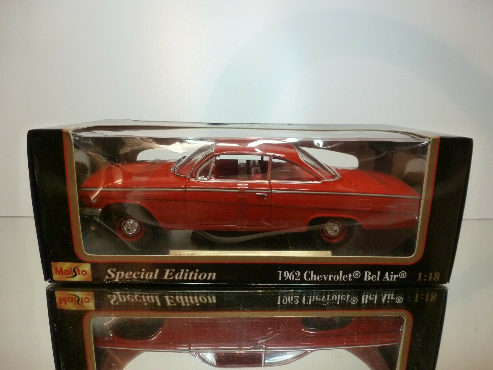 MAISTO 31641 CHEVROLET BEL AIR 1962  - RED 1 18 - VERY GOOD IN BOX
