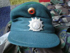 ORIGINAL-GERMAN-MILITARY-CAP-SIZE-54-WITH-BADGES-LINED-SEE-PICS