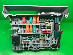 bmw 3 series e90 e91 rhd power distribution fuse box 6906621 06 rh ebay co uk