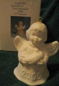 GOEBEL-2000-25th-Edition-White-Bisque-Angel-Bell-Holding-Dove-Christmas-Ornament