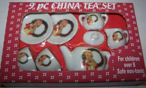9 pc Mini Porcelain Doll House Tea Set Holiday Wreath//Girl Christmas Shackman