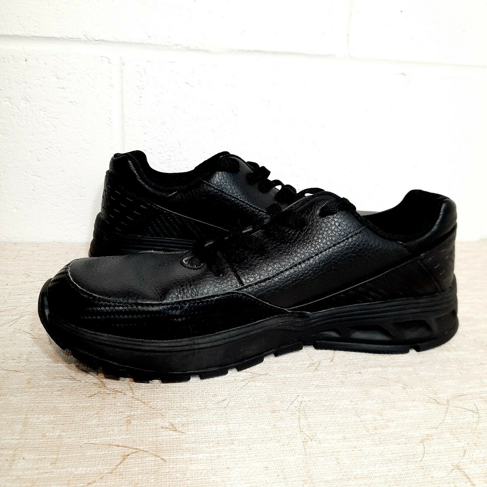 Infinity Cherokee Women's Slip Resistant Shoes Size 9 All Black Good Condition