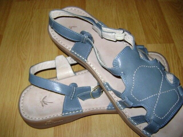 DROMEDARIS  bluee Leather comfort Sandals Size  9