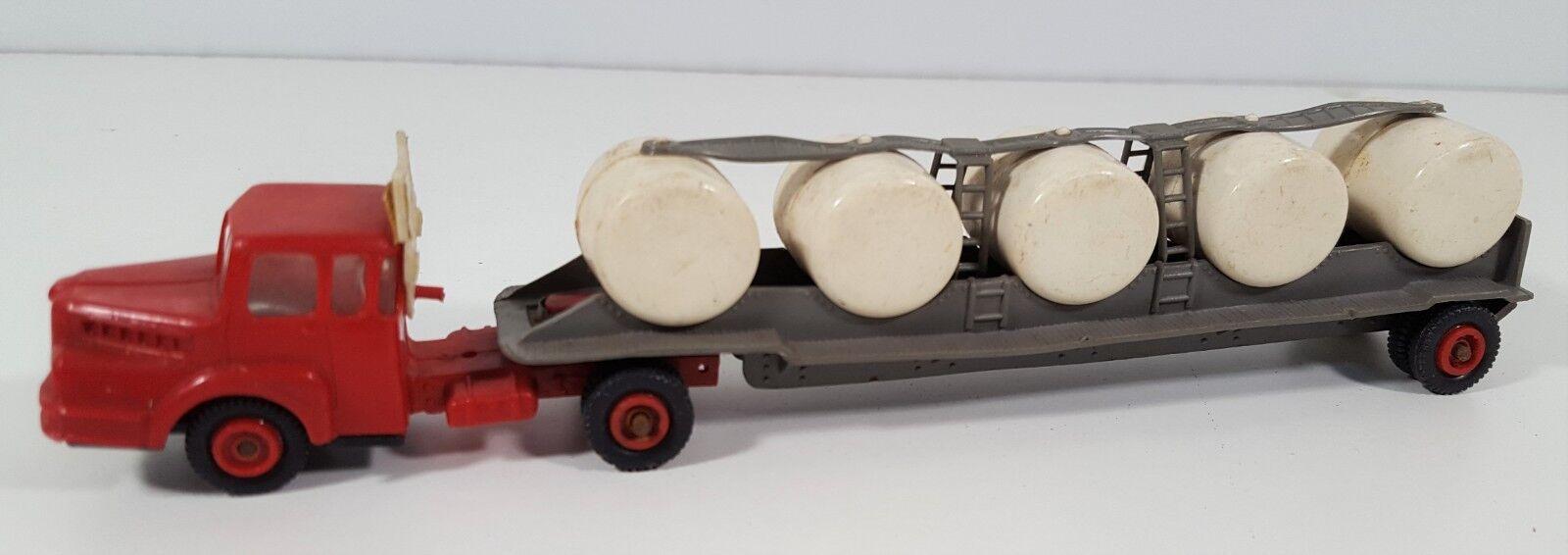 Milk transport mini resin. cars. esc 1 88. made in spain. circa 1950.