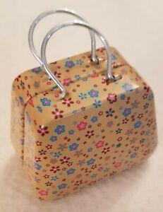 RAR-Small-Handbag-Made-of-Metal-for-The-Small-Barendame