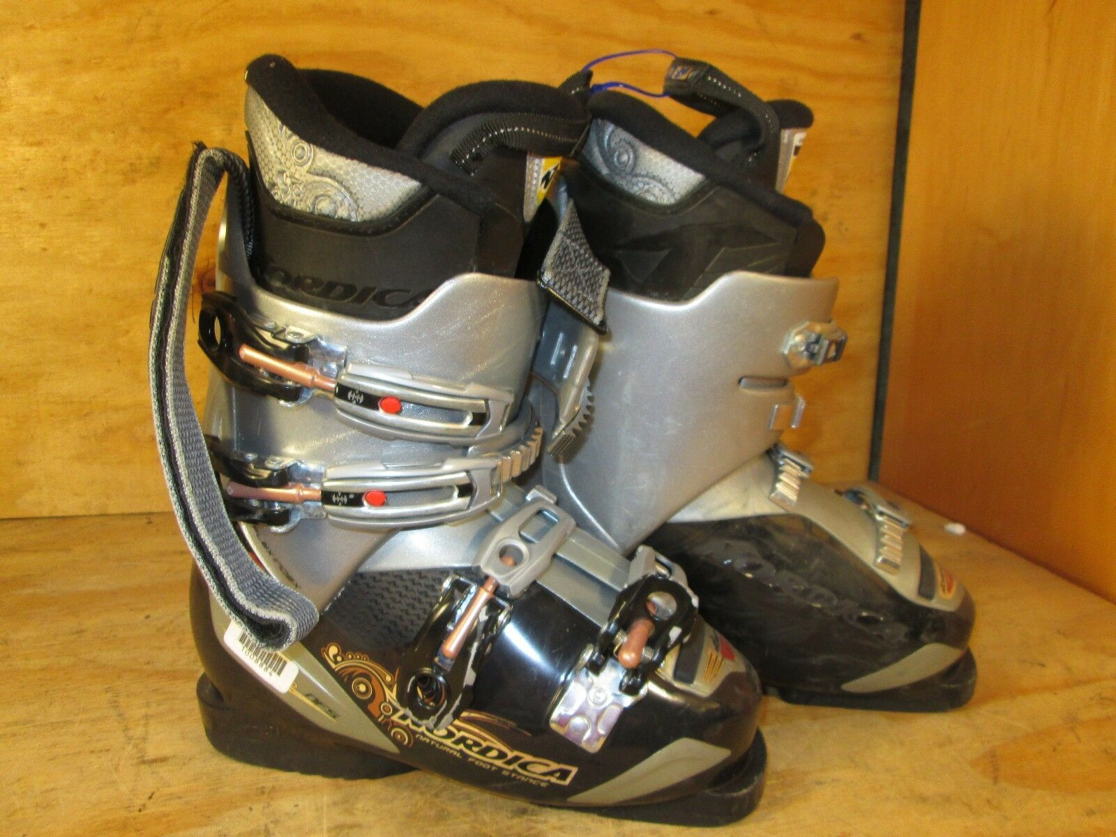 Nordica Natural Foot Stance NFS Ski Boots Couple Sizes to choose - W1