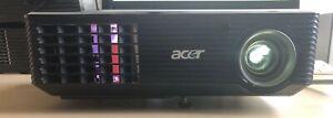 Beamer Acer X110P DLP-Projektor mit Fernbedienung