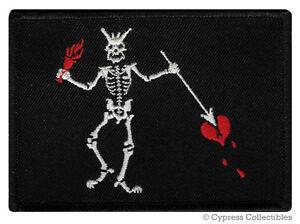 BLACKBEARD-PIRATE-FLAG-iron-on-PATCH-JOLLY-ROGER-Skull-Swords-EMBROIDERED-SKULL