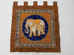 Antique Beautiful Thai Embroidered Wall Hanging 71x71cm (T932)