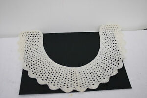 Vintage-Crochet-Collar-with-scalloped-edges-15-inches