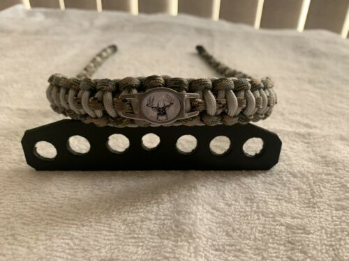 Lost Camo With A Deer Head Charm Bow Wrist Sling