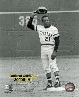 Roberto Clemente 3,000th Hit 8x10 Photo September 30, 1972