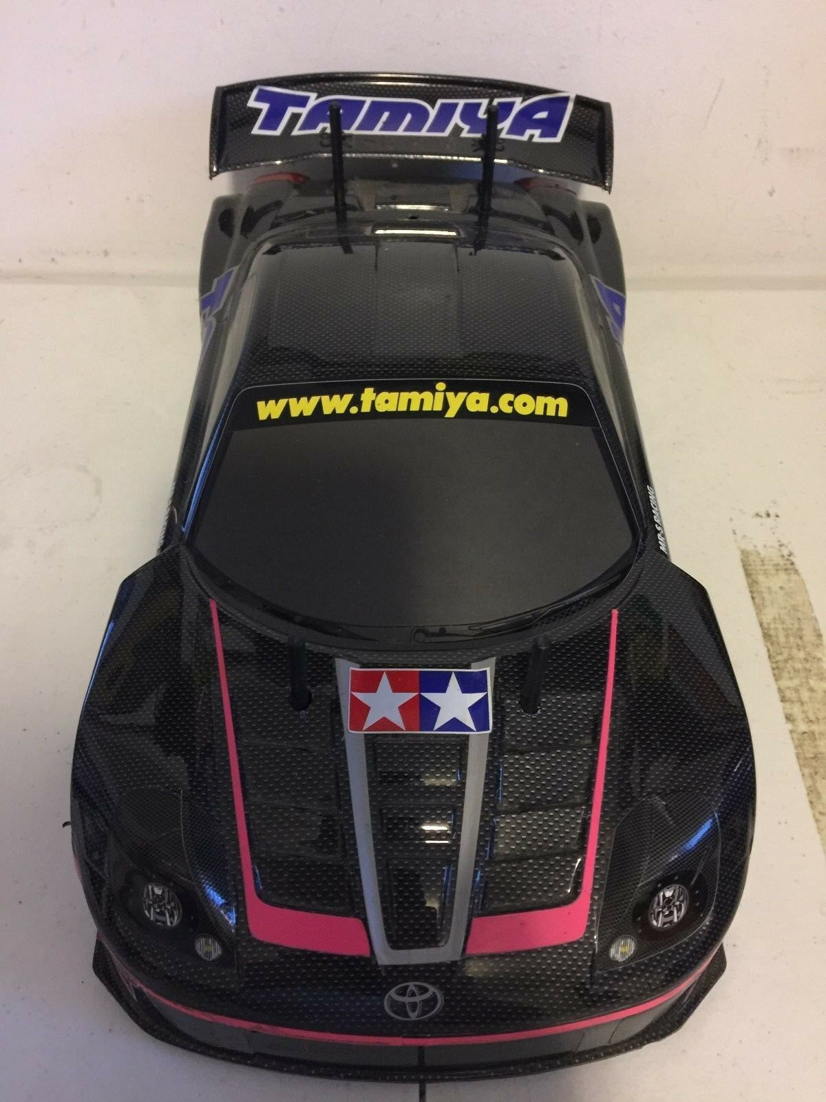 Tamiya Toyota Supra 1 10 Radio Control Coche de carrera con Futaba Magnum 2PL controlador  no probado