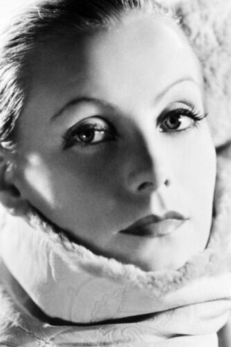 Greta Garbo As Mata Hari In Mata Hari Close Up Portrait 11x17 Mini Poster