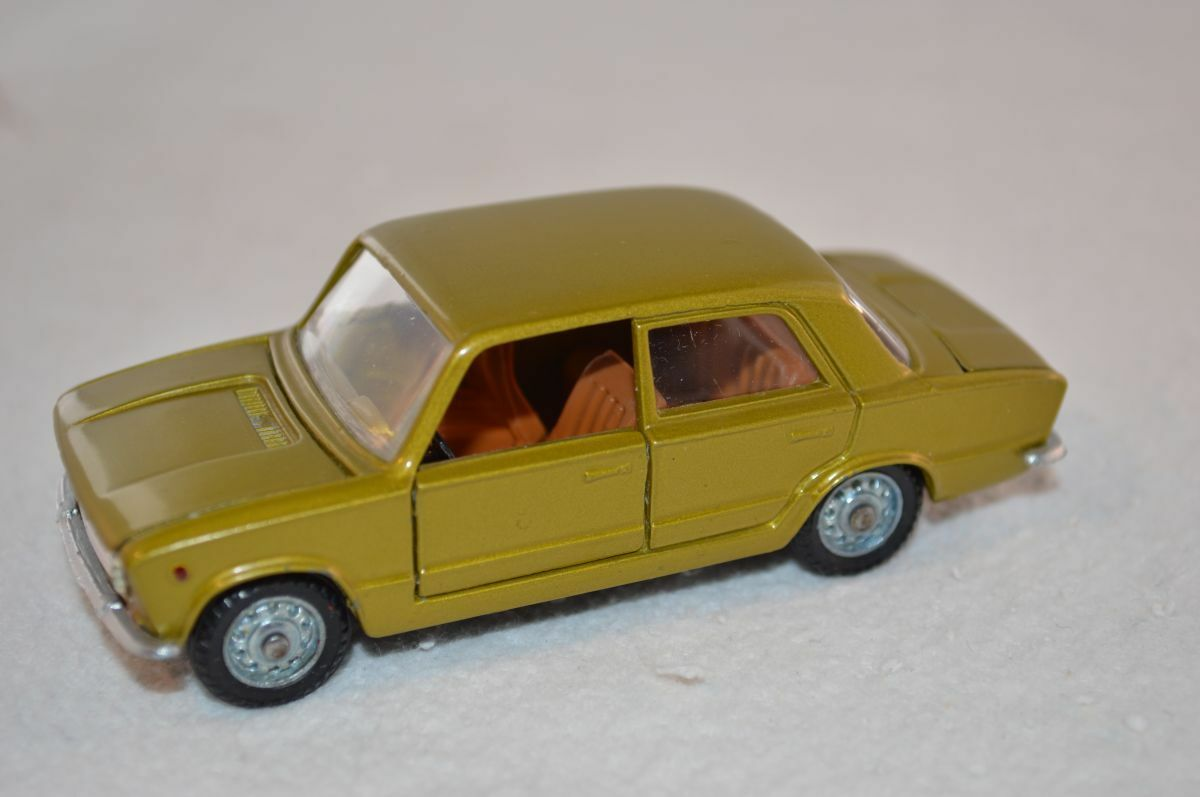 Mebetoys   a-16 16 a16 fiat 124 extrem seltenen farbe in perfektem zustand de Farbee