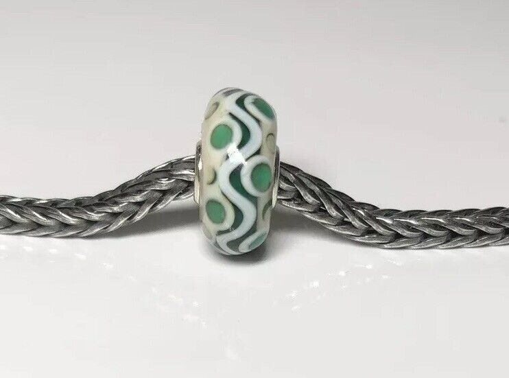 Authentic Trollbeads Unique OOAK Bead green swirl with dots LAA Stamped New
