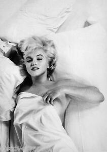 Detalles De Marilyn Monroe En Cama Retrato De Lona Pared Arte Movie Poster Print Modelo Desnuda Ver Título Original