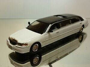 SUN-STAR-LINCOLN-TOWN-CAR-STRETCH-LIMOUSINE-WHITE-1-43-EXCELLENT-6