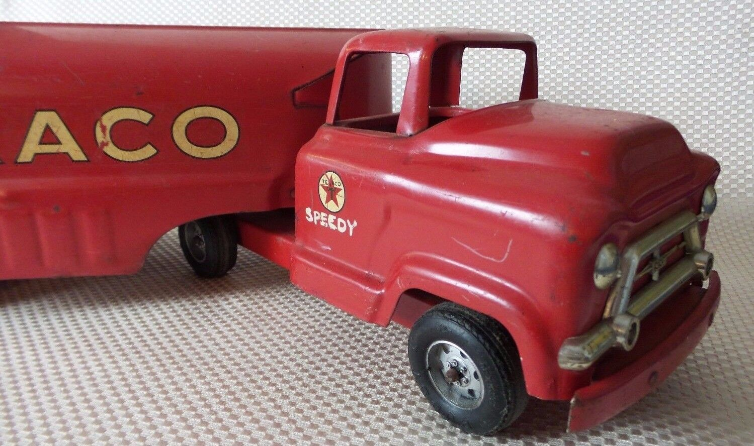Great Vintage 1960's BUDDY L Red Pressed Steel Texaco Fuel Truck Toy - 24