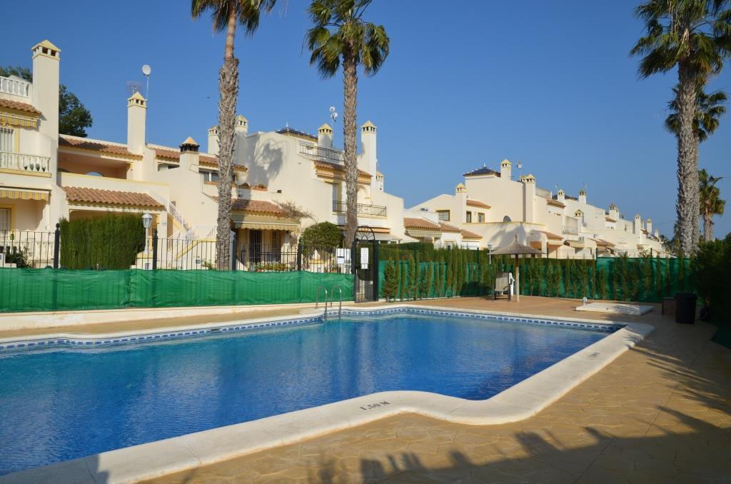 Costa Blanca South: 4 Bed Villa + Wi-Fi + Overlooking Pool +...