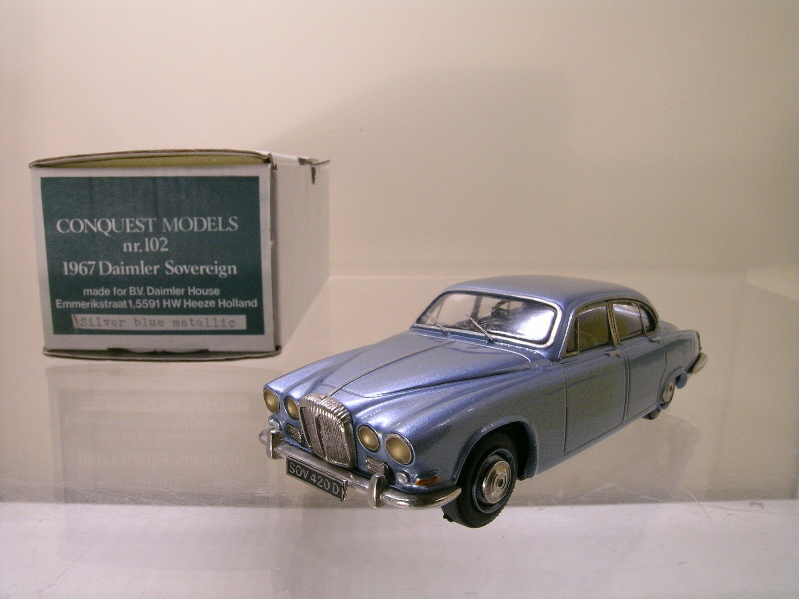 CONQUEST MODELS No.102 DAIMLER SOVEREIGN 1967 blu MET. HAND-BUILT SCALE1:43