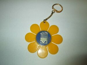 Vintage-Twin-City-Federal-Savings-and-Loan-Daisy-Flower-Advertising-Keychain