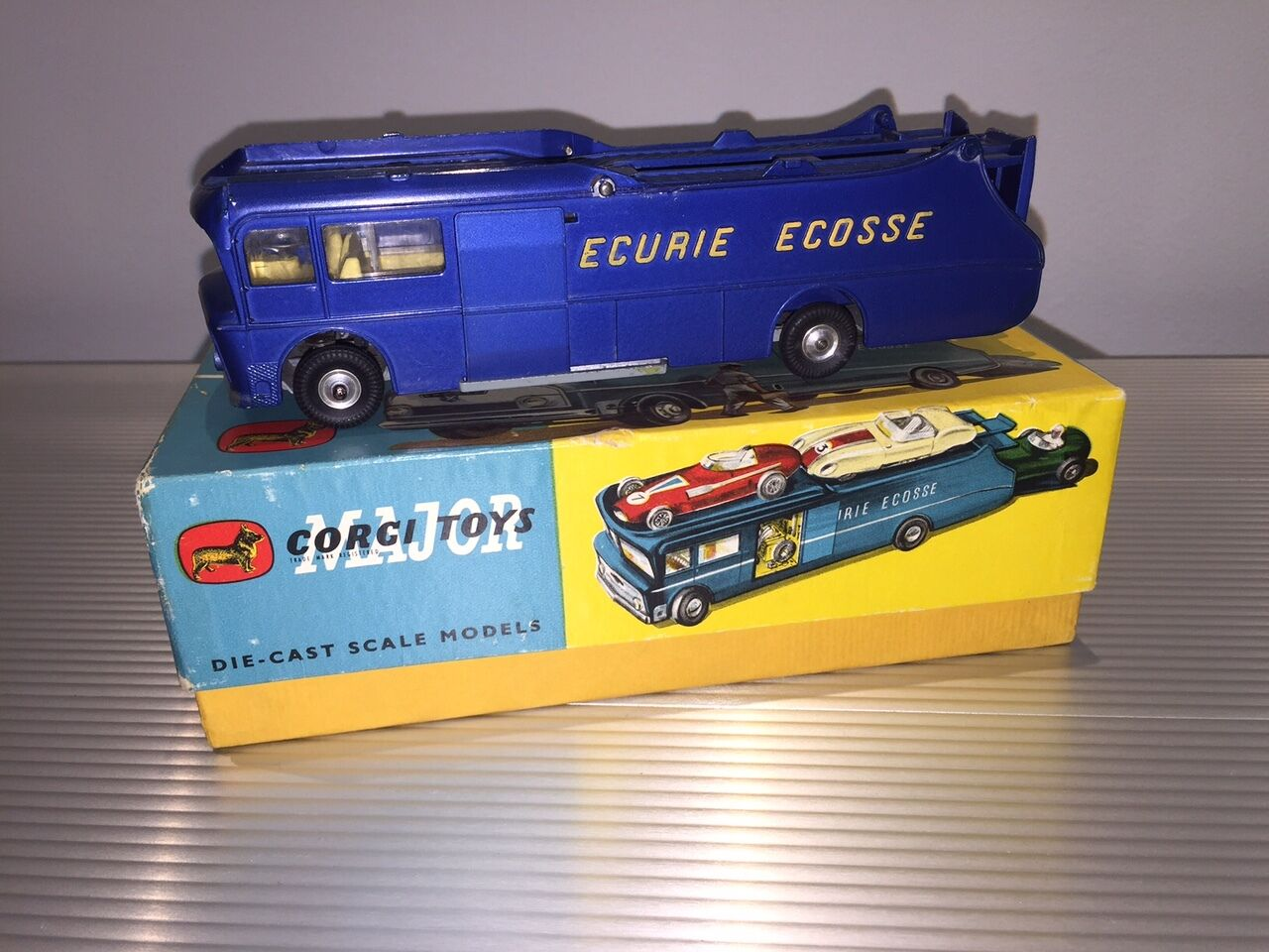 Vintage Corgi Toys Major   MIB   Ecurie Ecosse Course Transporteur Voiture   N0.