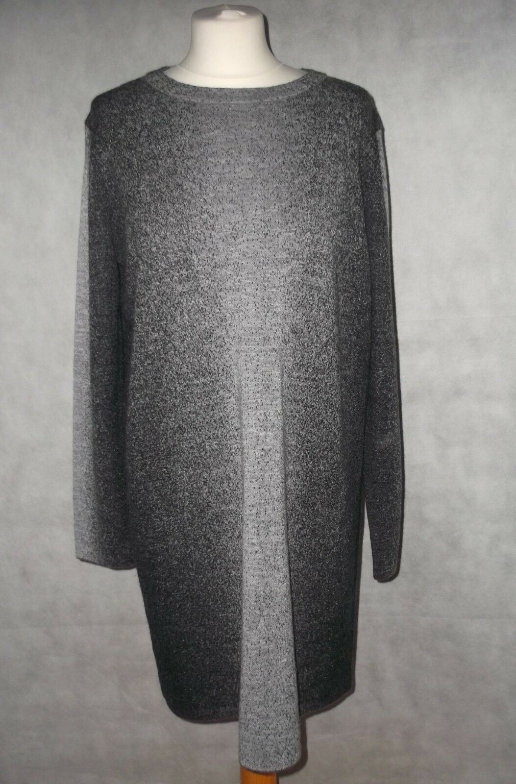 b99829c2bfbe Immaculate fine pure wool jumper dress or long knit tunic Größe L COS grau