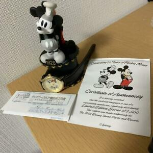 Mickey-Mouse-70th-Anniversary-3000-Limited-Watch-amp-Figure-Set-Rare-Unused
