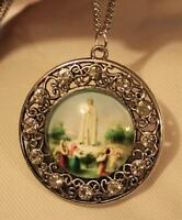 Lovely Scalloped Rim Rhinestone Round Our Lady Of Fatima Medal Pendant Necklace