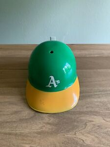 Vintage-Oakland-A-039-s-Athletics-Plastic-Batting-Helmet-Souvenir-MLB-1969-Baseball
