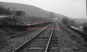 PHOTO-TAFF-MERTHYR-HALT-RAILWAY-STATION-VIEW-OF-THE-COLLIERY-HALT-IN-1976-1